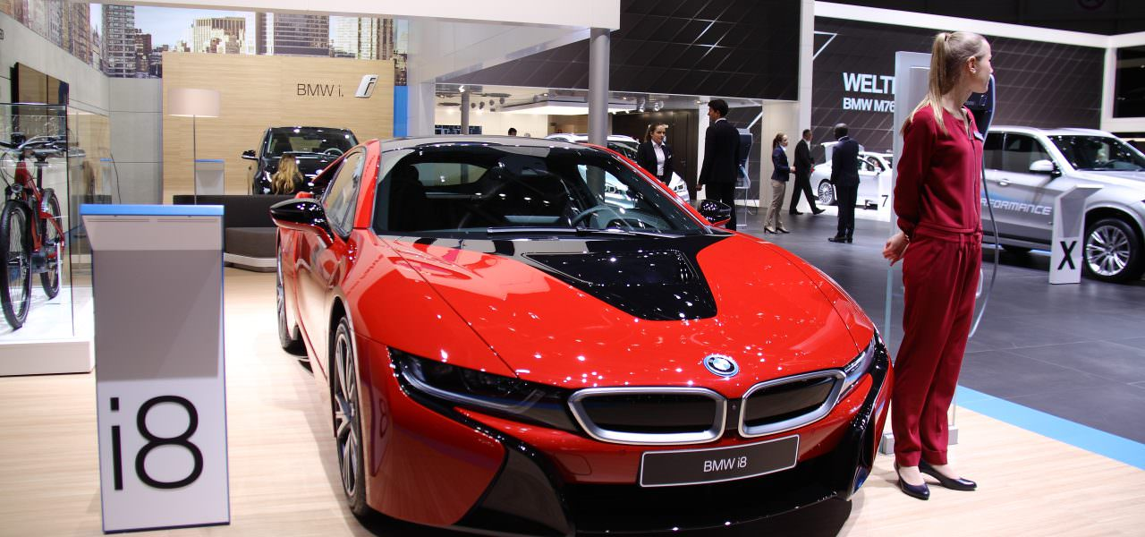 bmw i8 protonic red edition le tarif enfin officialis. Black Bedroom Furniture Sets. Home Design Ideas